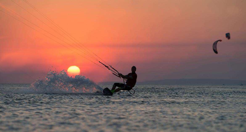 gökçeada sunset kiteboardding