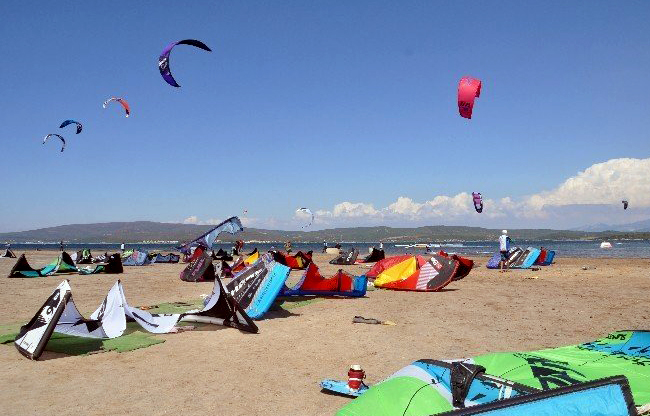 Urla'da kiteboard eğitim sahili